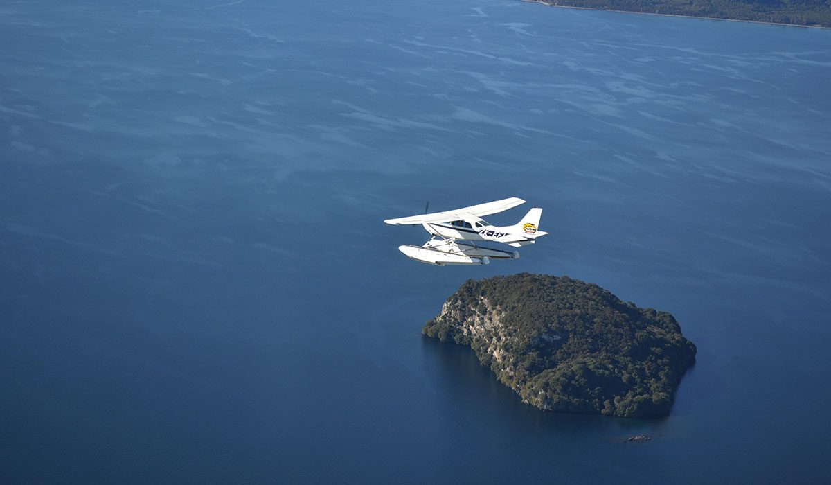 Taupo's top things to do, Taupo's Float Plane